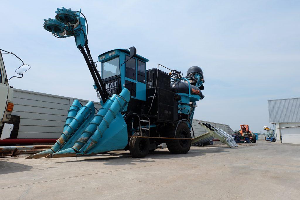 เครื่องจักรกลการเกษตรที่ทันสมัย เนื่องจากสามารถทุ่นแรงงานคนได้ เนื่องจากแรงงานคนหายากขึ้นทุกวัน